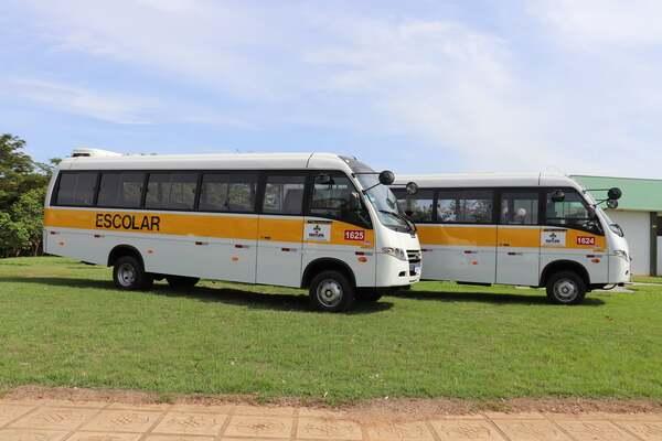 Prefeitura adquire mais 04 ônibus escolares em Matupá