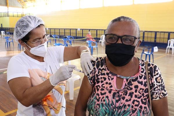 Idosos Peixotenses são vacinados em Força Tarefa contra a Covid-19