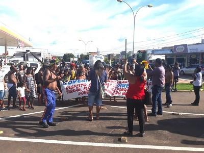 Índios fazem manifestação e acusam HR de Colíder de Negligência