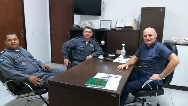 Prefeito Fernando Zafonato recebe comandante do 15º CRPM