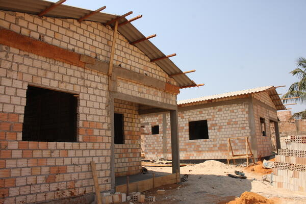 Prefeitura constrói casas para famílias em vulnerabilidade da ZP-002