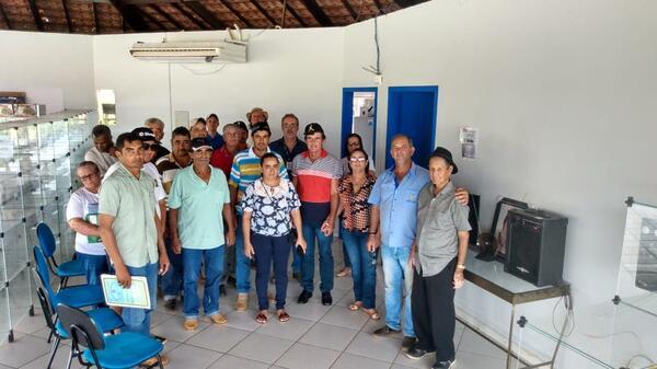 Secretaria e EMPAER auxiliam agricultores na renovação de DAP
