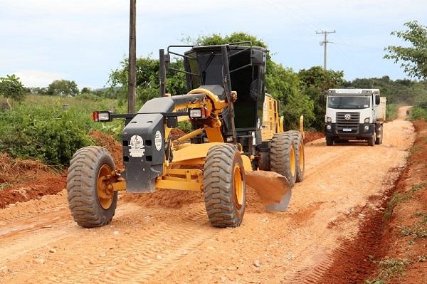 Setores Agropecuário e Mineral são contemplados com recuperação de estradas