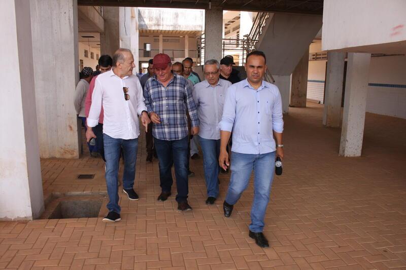 Pivetta fará gestão para concluir obra da Escola Técnica Estadual (CEPROTEC)