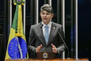 Senador José Medeiros ataca imprensa