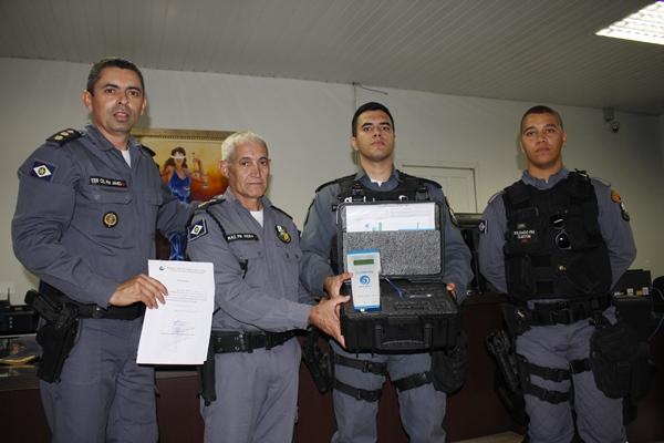 15º CRPM recebe Etilômetro do MPE e Poder Judiciário