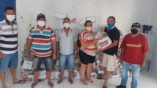 Assistencia Social de Nova Santa Helena distribui máscaras faciais e cestas básicas