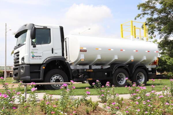 Caminhão Pipa 0 Km é entregue a Secretaria de Obras de Matupá